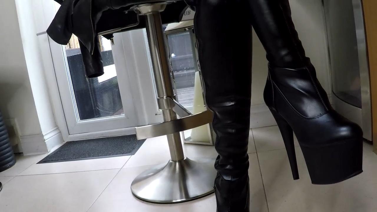 Leather_Fetish.mp4_20180819_163235.109.jpg
