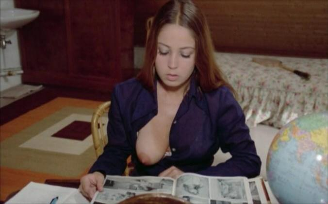 Une vierge pour Saint-Tropez (1975).jpg