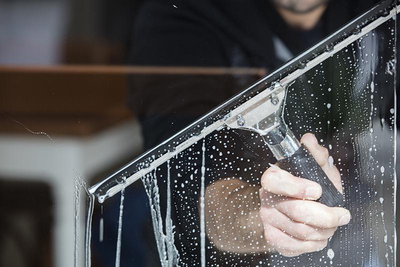 005signature window cleaning denver.jpg