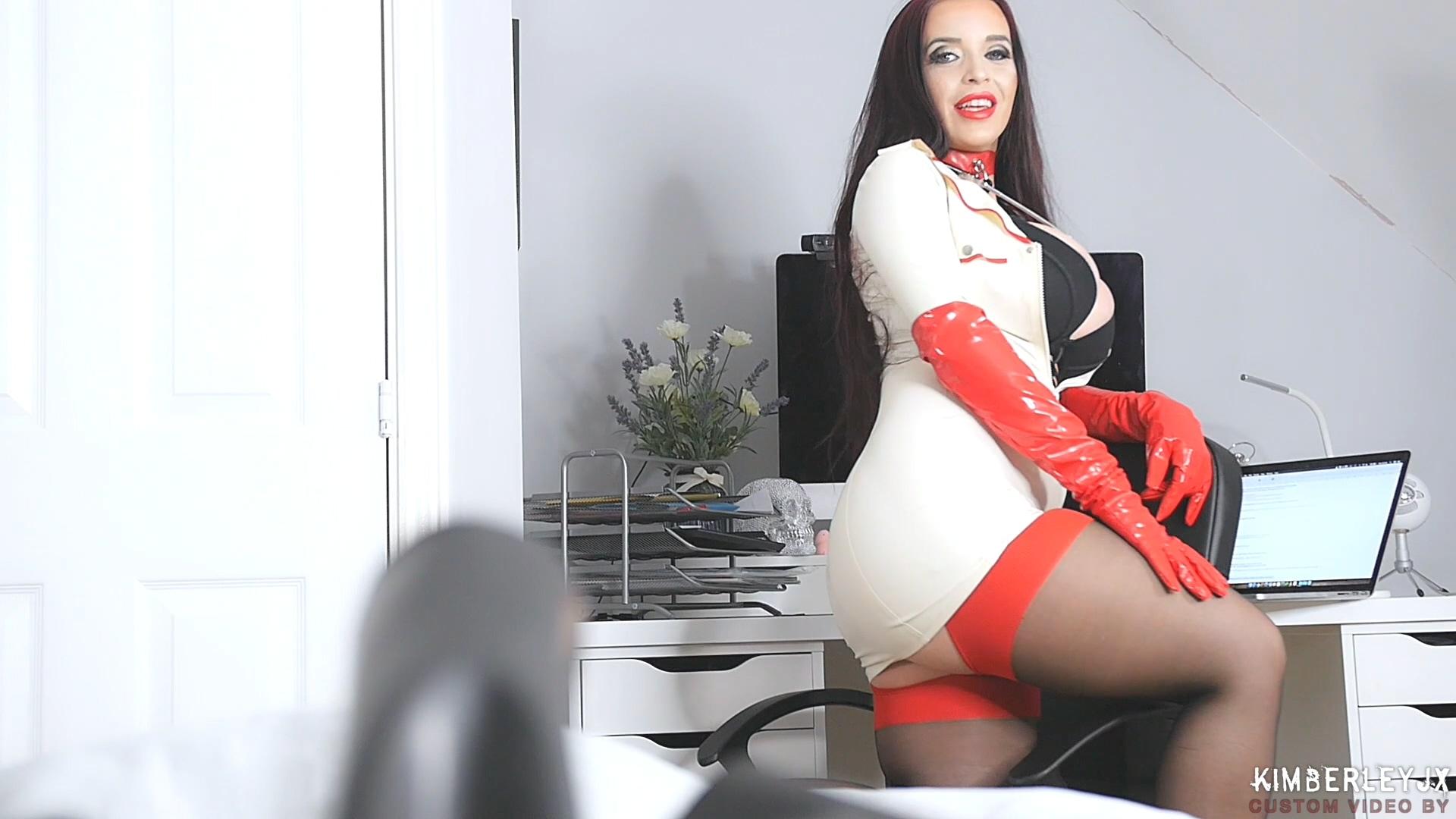 Red_Gloves_HD.mp4_20190330_211918.979.jpg