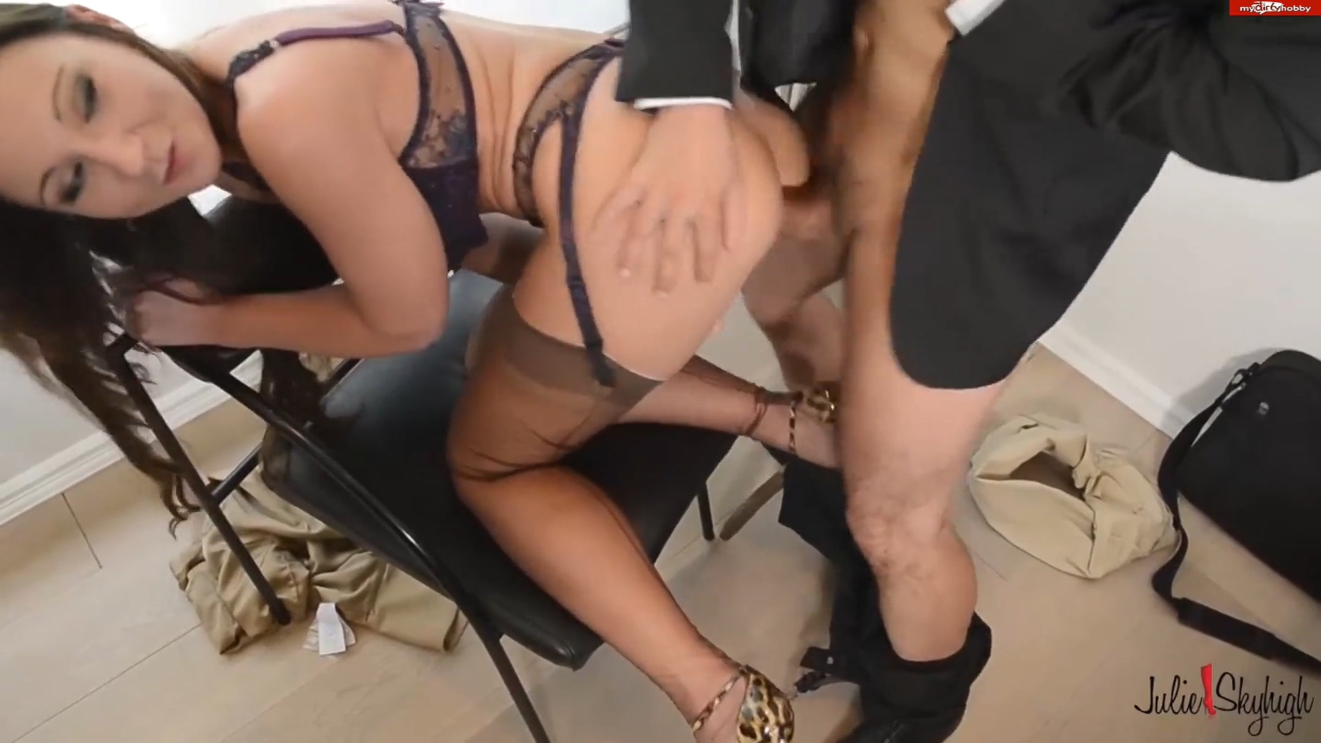 THE BOSS IS A BITCH FULL MOVIE anal fuck by my employee mit julieskyhigh.mp4_20191105_084248.328.jpg