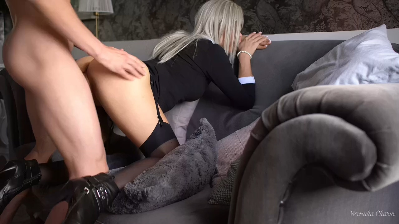 Sex_Sexy_Stockings_and_heels.mp4_20210203_201606.979.jpg