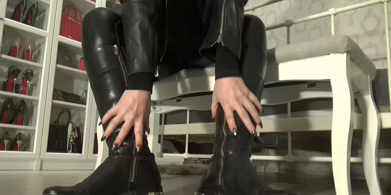 Cum_on_My_leather_riding_boots_part_1.mp4_20200410_115651.956.jpg