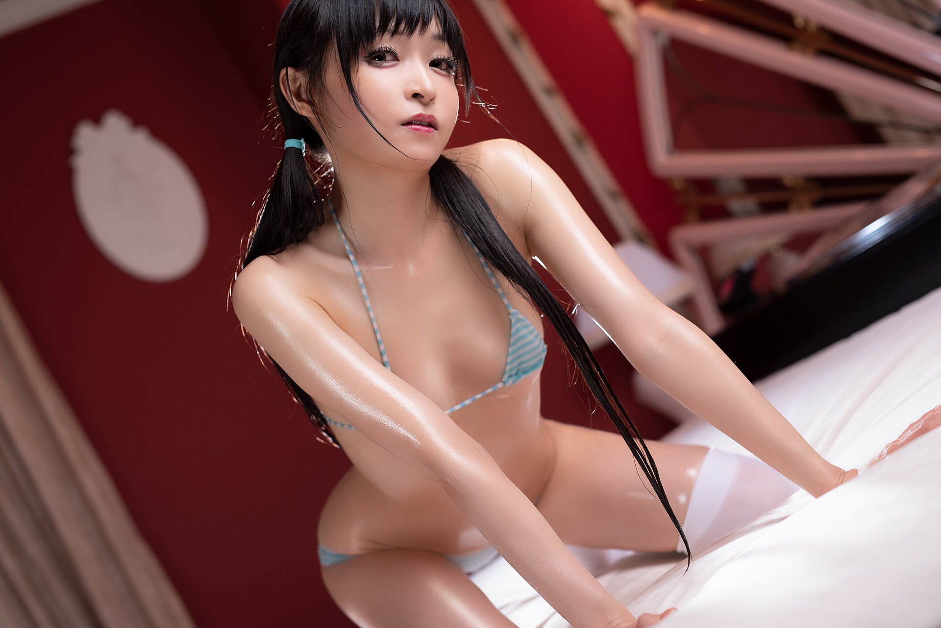 Mayu-Ronne-Cosplay-Sets-Skimpily-Seductive-14.jpg