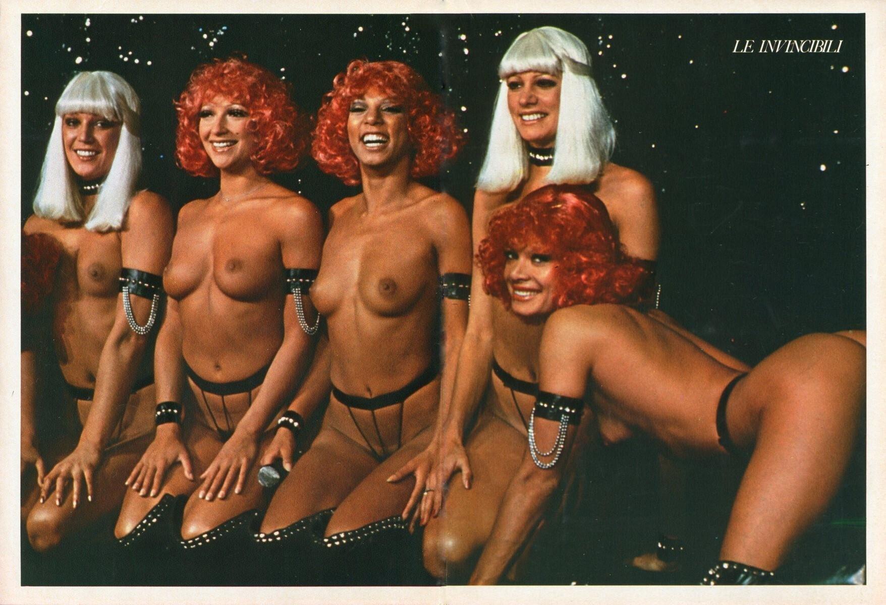 Playmen_1975_02_p_072-73_Crazy_Horse.jpg