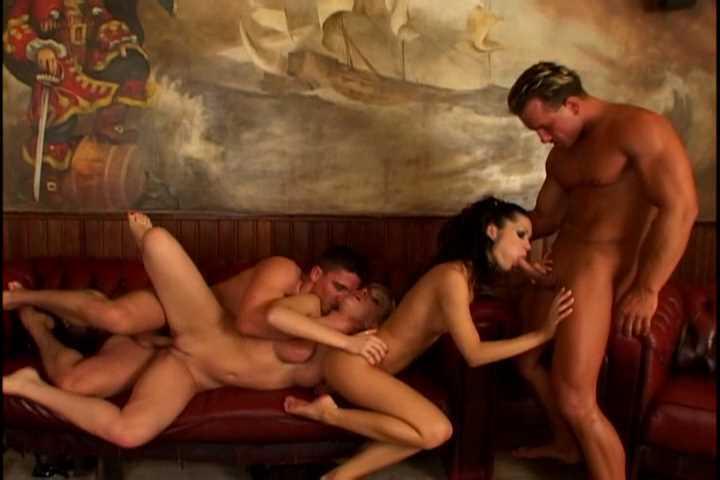 DP Angelina Crow, Kathy Blanche - Lusty Legs 2.wmv_snapshot_20.34.504.jpg