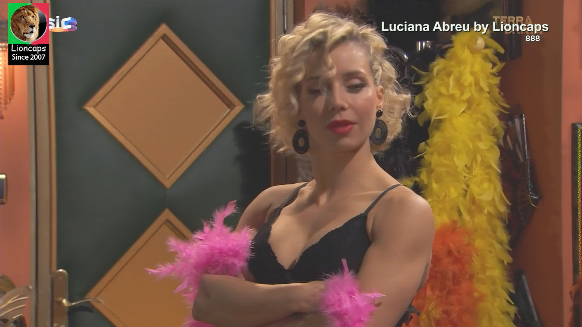 luciana_abreu_terra_brava_lioncaps_30_11_2020 (14).jpg