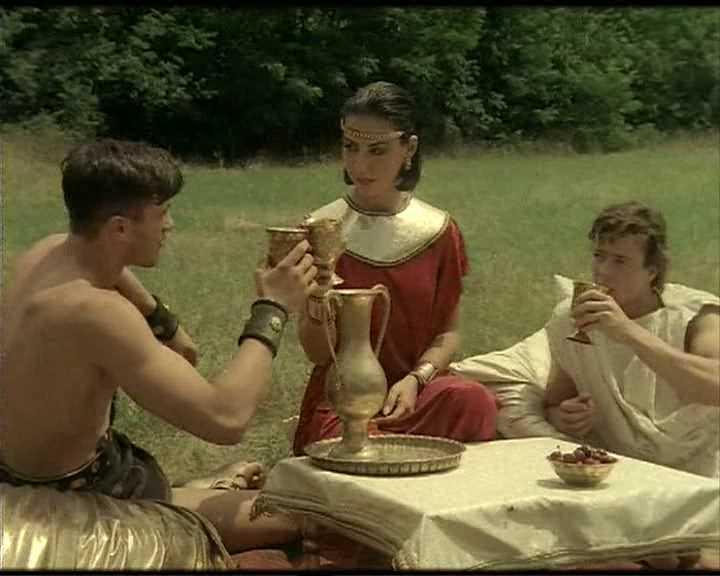 DP Maria Bellucci - Hercules - A Sex Adventure.avi_snapshot_01.53.608.jpg