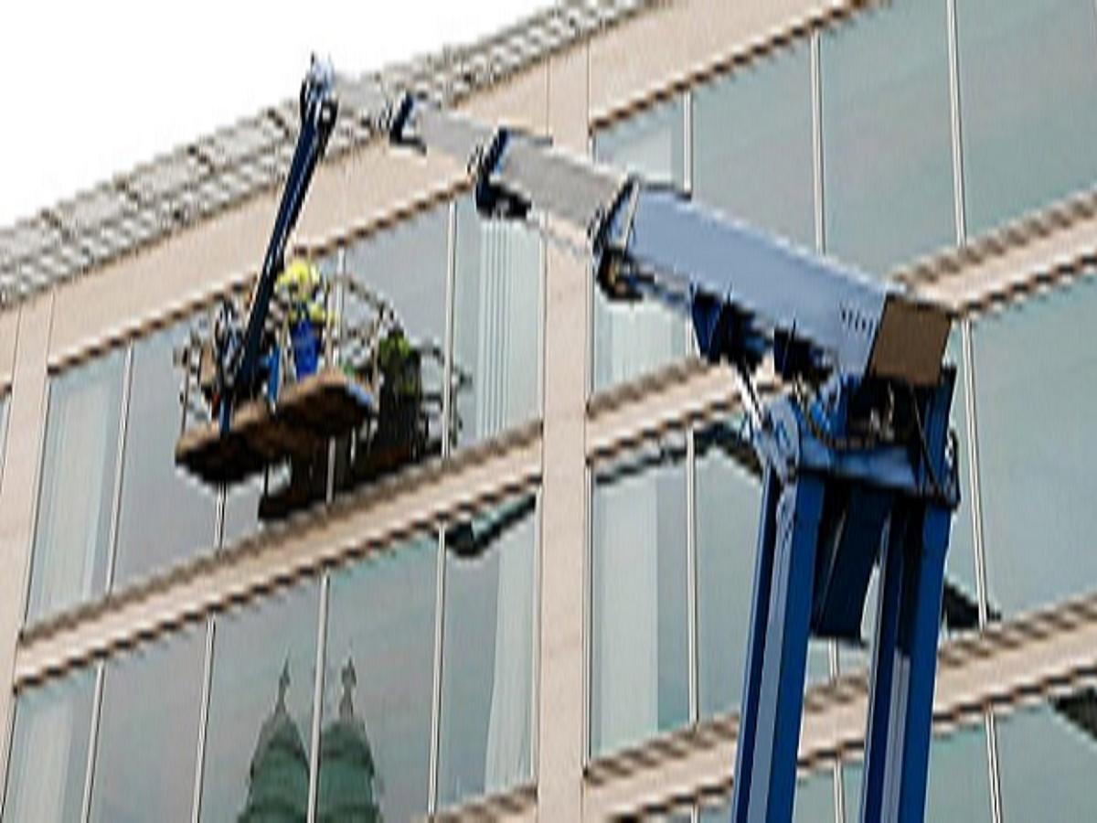 082signature window cleaning denver.jpg