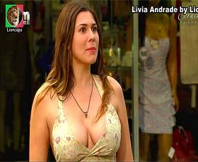 livia_andrade_coracoes_feridos_lioncaps_03_05_2020_thumb.jpg