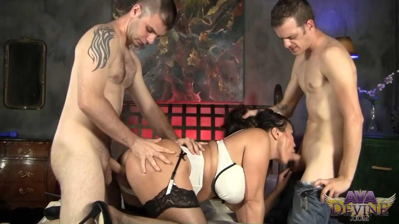 DP Ava Devine - Treated like whore.mp4_snapshot_00.27.007.jpg