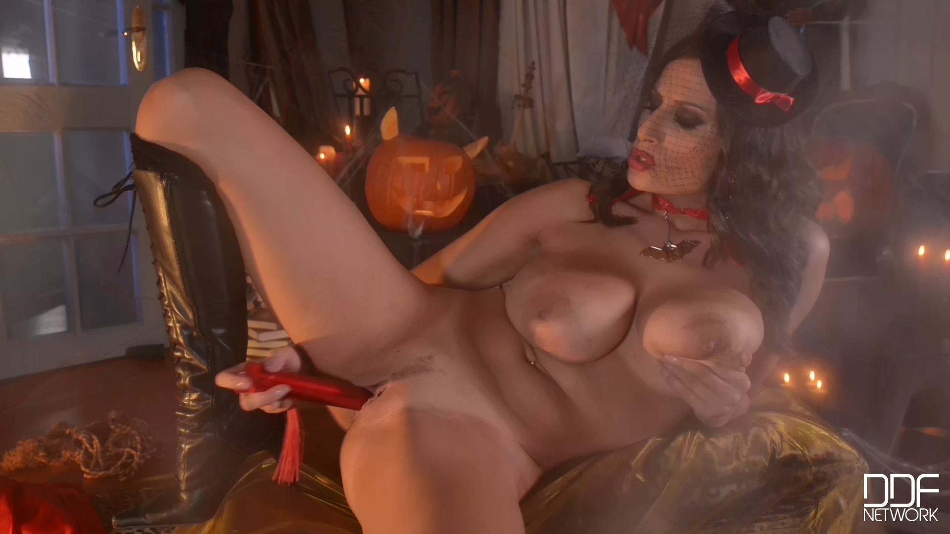 DDFBusty - 2014 Her Tricky Treat [solo] 1080p.mp4_20201217_221430.764.jpg