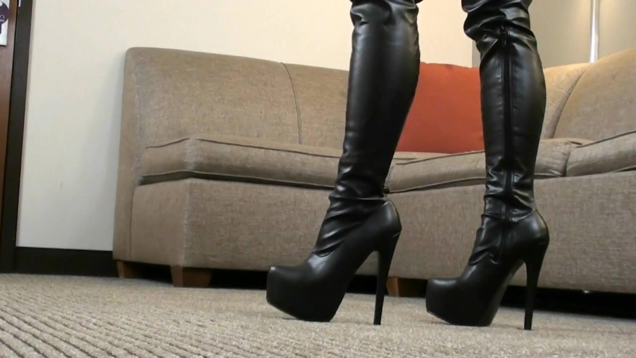Solo_Latex_Boots_Gloves125_hd1080.mp4_20161007_190416.750.jpg