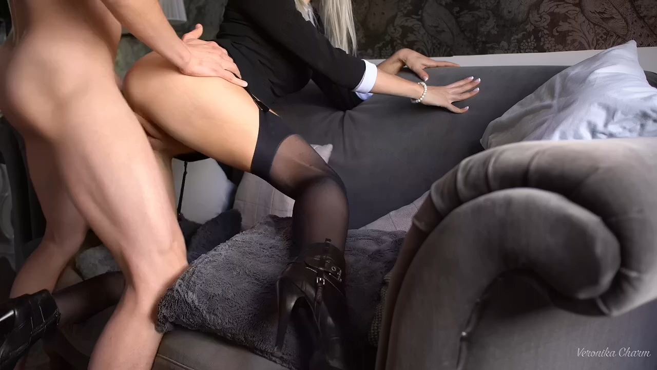 Sex_Sexy_Stockings_and_heels.mp4_20210203_201533.776.jpg