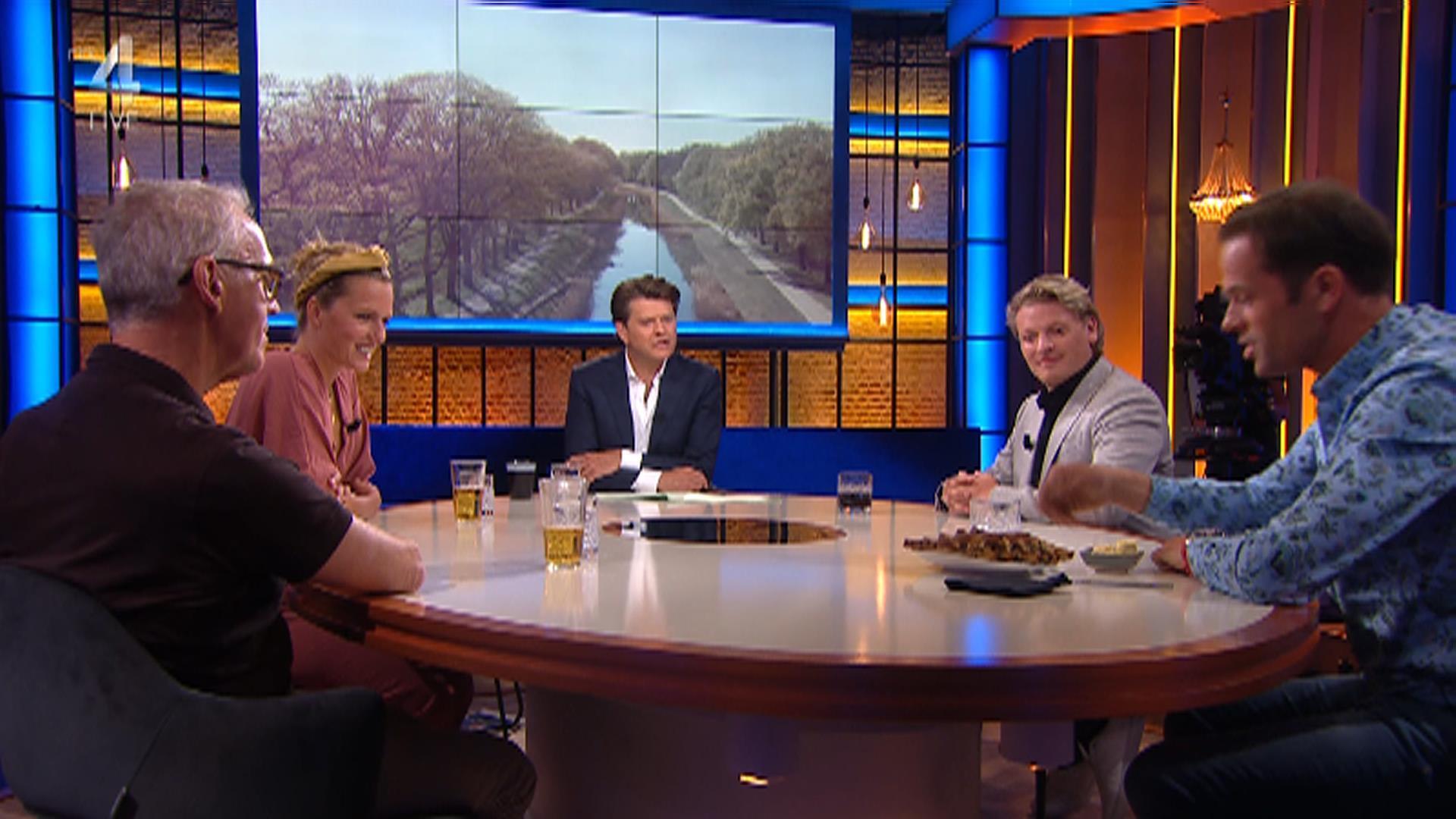 RTL4 HD 2020-05-26 22-44-49.jpg