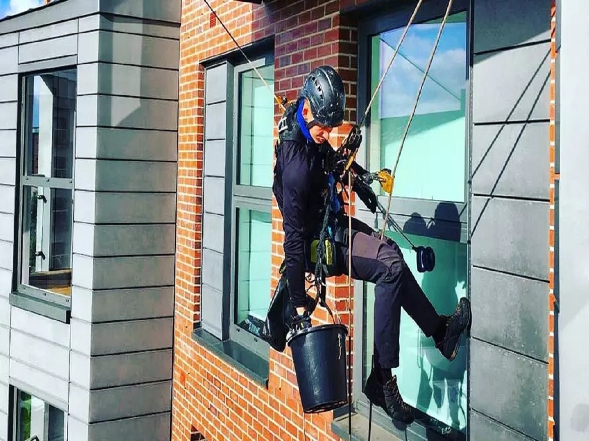 025signature window cleaning denver.jpg