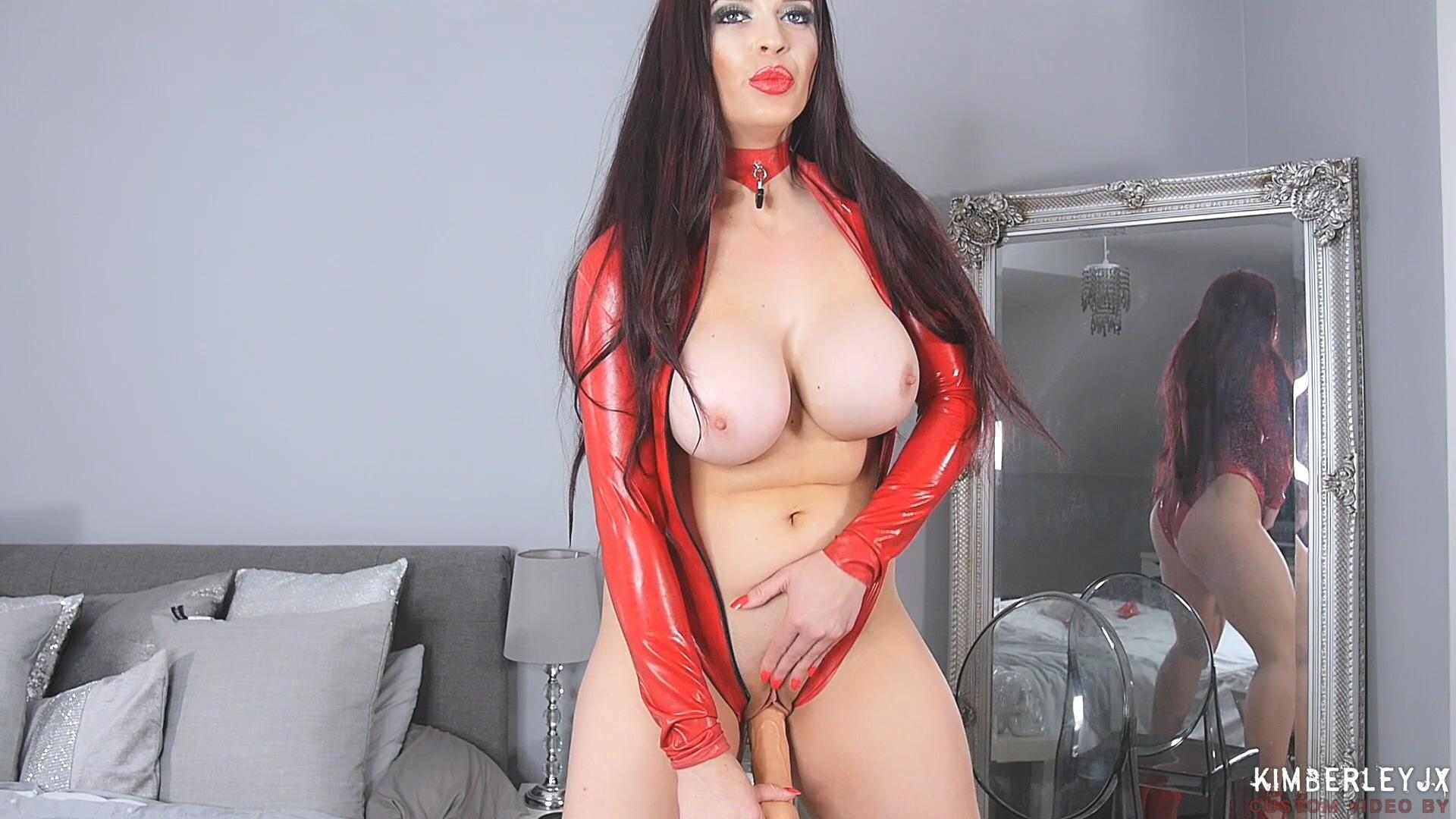 Red_Gloves_HD.mp4_20190330_211819.733.jpg