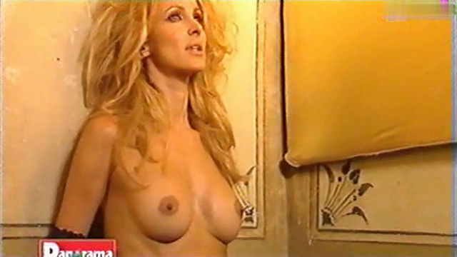 Adriana Volpe - Nude Photoshoot 05.jpg